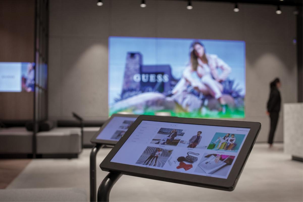 Salony Eobuwie z rozwiązaniami Philips Professional Display Solutions