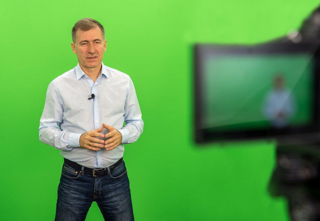 Studio Marengo daje możliwość realizacji zdjęć na green screenie, który później w transmisji można zastąpić dowolnym tłem. Między innymi te możliwości były wykorzystywane w trakcie tegorocznej edycji NEC Online Competence Days